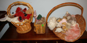 3 Wicker Baskets & Collection of Plush Toys