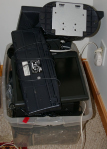 Tub - Assorted Electronics: Keyboard, Monitor, DVD Player