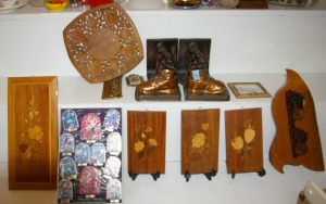 Assorted Wall Plaques & Book Ends