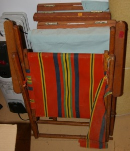Rug, 2 Folding Captain's Chairs, & Folding Arm Chair