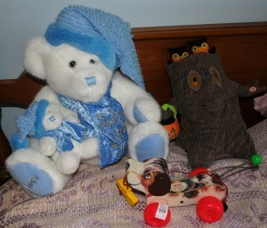 2 Plush Toys & Child's Pull Toy